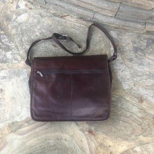 Wilsons Leather Brown Leather Messenger Bag Laptop